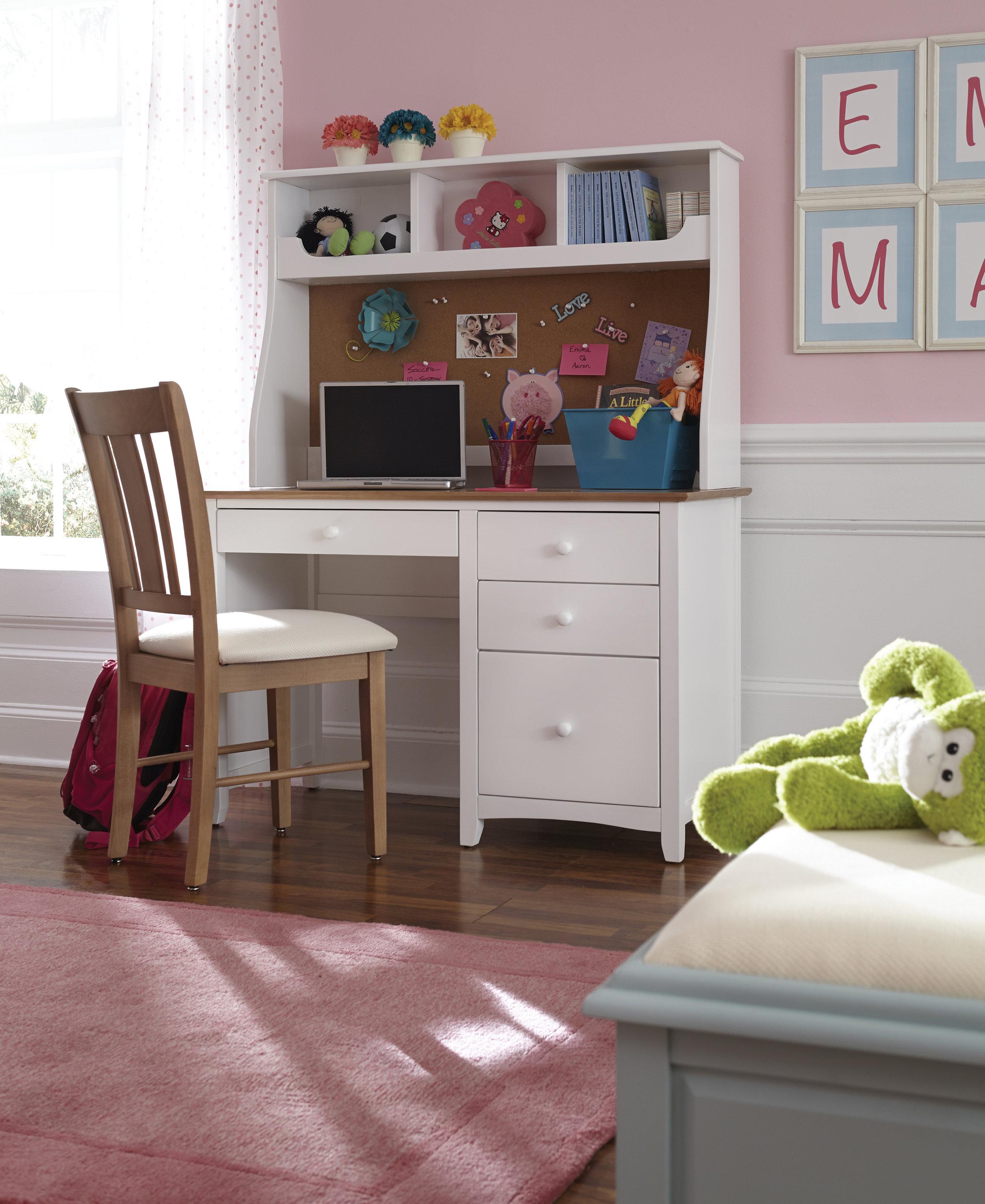 Whitewood Child Desk.jpg