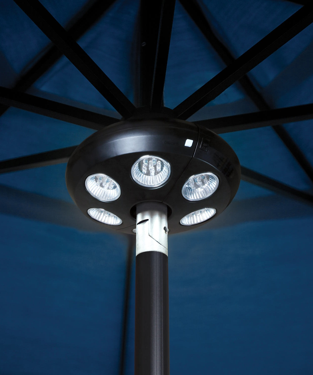 The Vega L - Umbrella Light