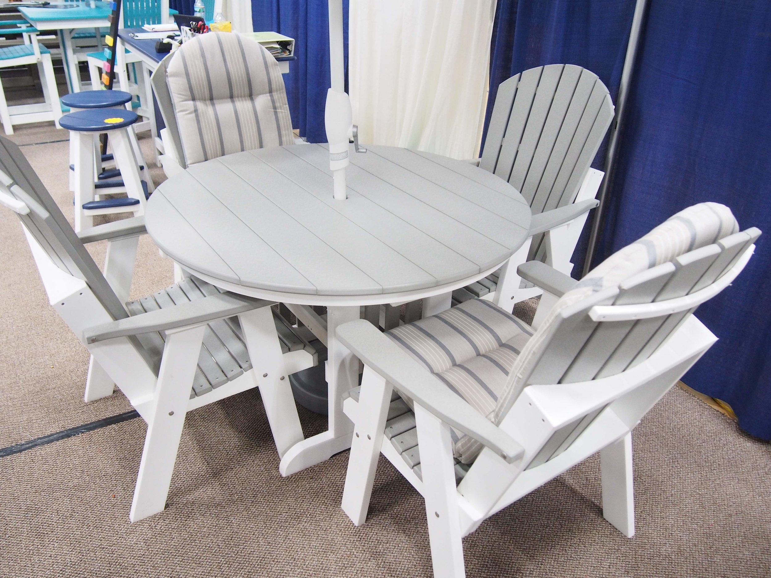 48 Round dining w4 Addy chairs 1997..jpg