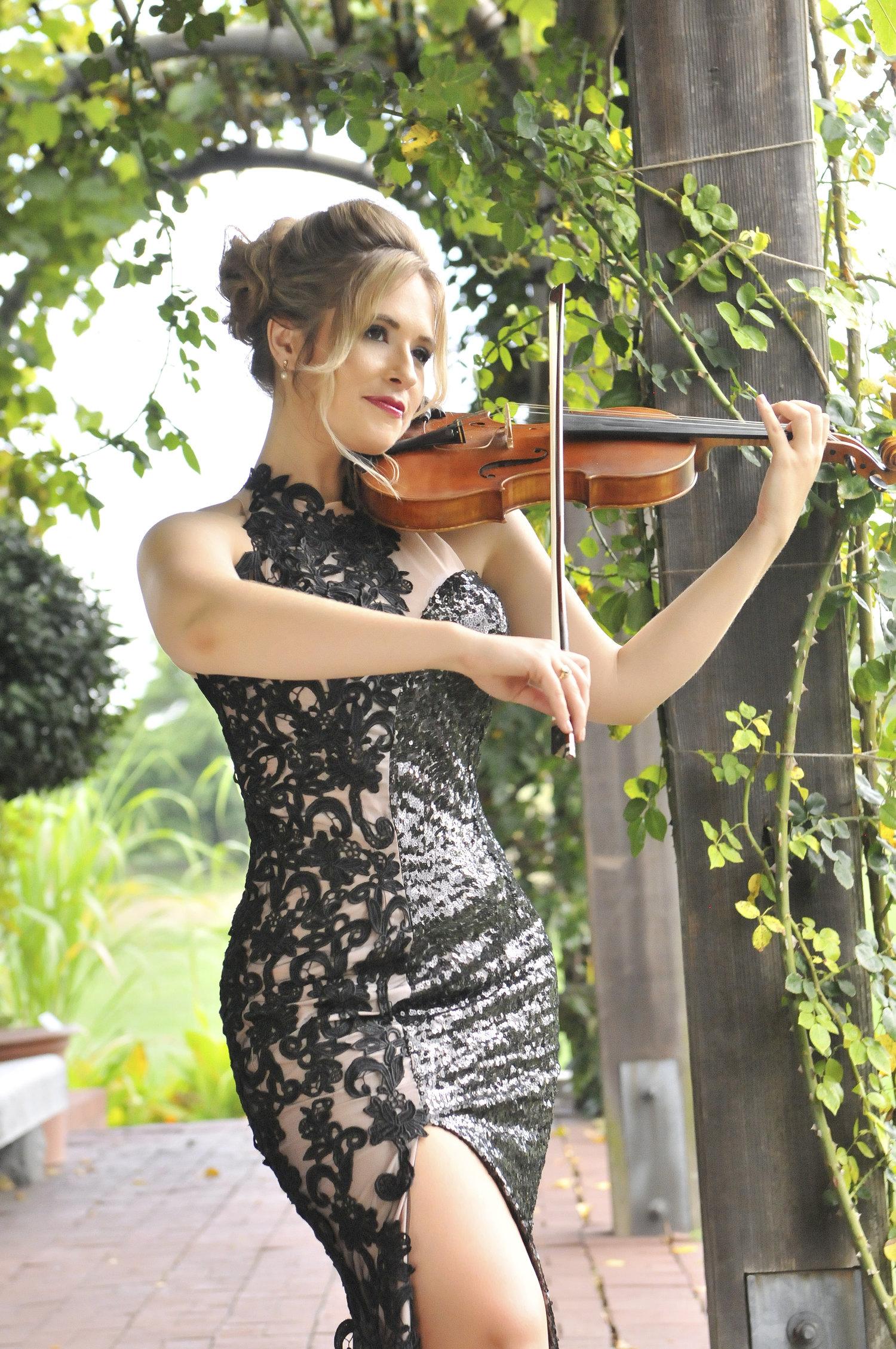 Tiffany Rose Landscape Portrait .jpg