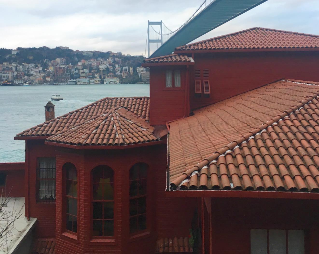 Baroque on the Bosphorus (Cornucopia Magazine Arts Diary)   Launched in 2009, the Yalı Concert series brings classical musicians into the intimate salon of Hekimbaşı Salih Efendi Yalı, the oxblood-red Ottoman summer house under Istanbul's second bridge.