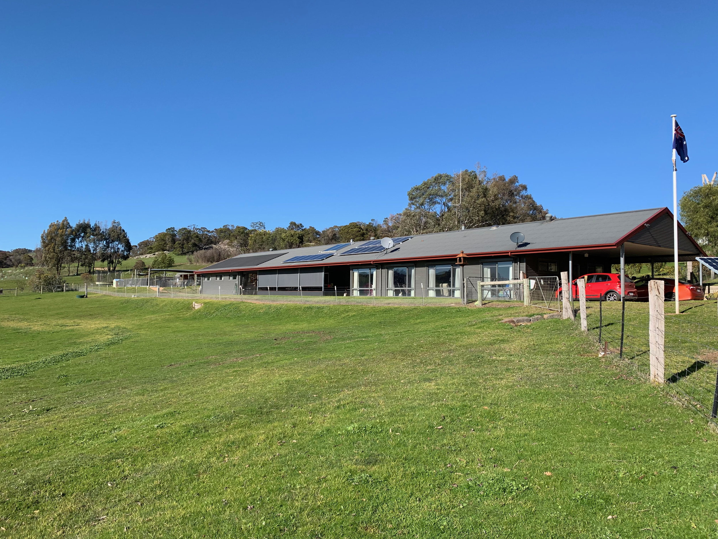 Camp Ruffy: remote but close, off-grid & sleeps 21 - Christine & Roger will welcome your up to 21 person group to an incredibly different experience.