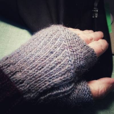 Automne Fingerless Mitts knit with Drops Alpaca.