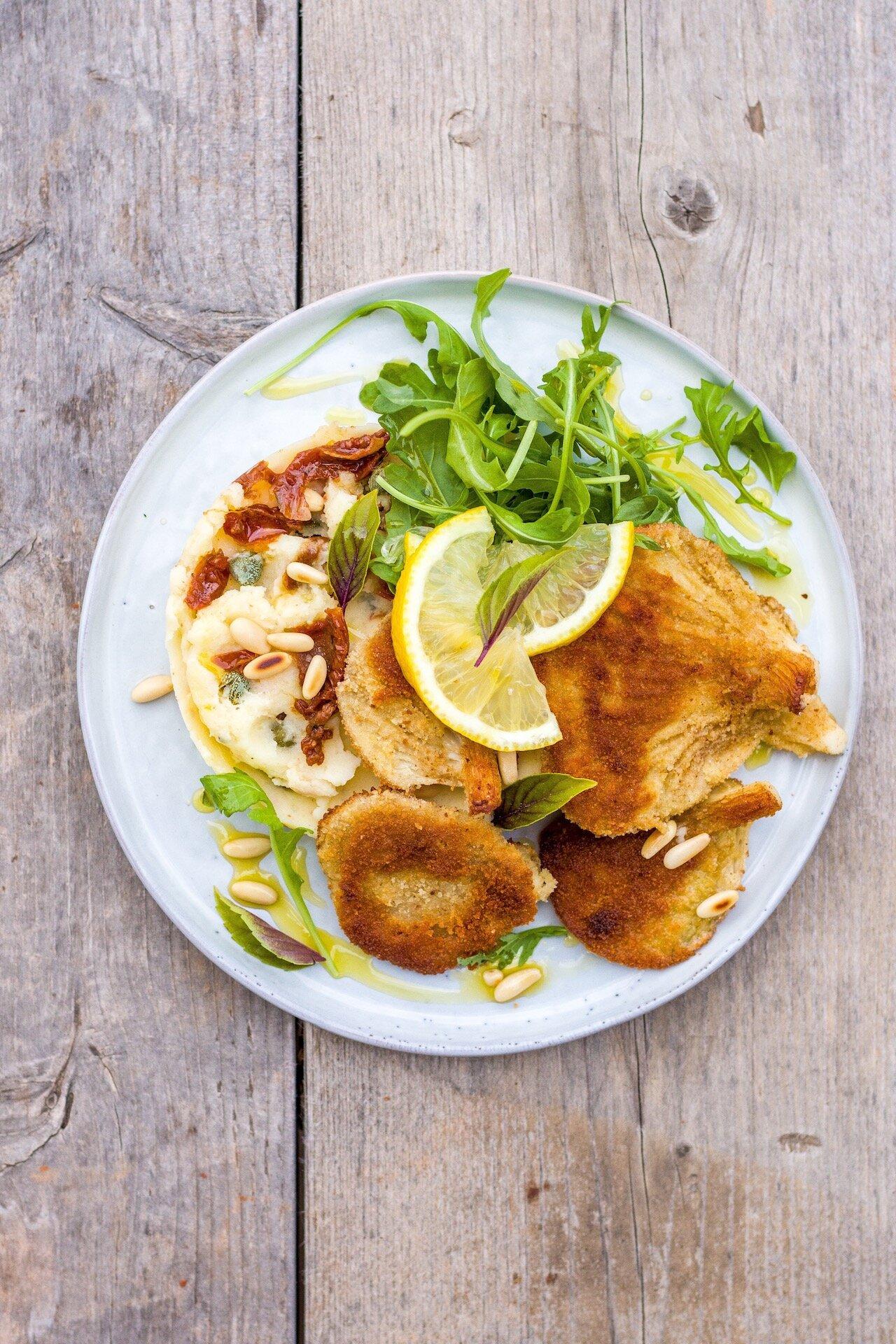 Austernpilzschnitzel mit mediterranem Kartoffelstampf - das perfekte, vegetarische Comfort Food #vegetarisch #vegan #pilze #lecker