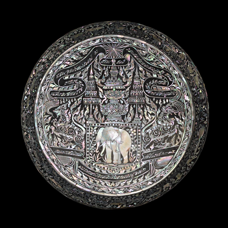 Detail of Alms Bowl Lid  รายละเอียดฝาบาตรประดับมุก