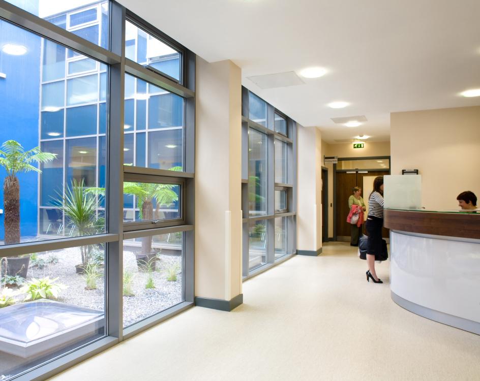 Medical-Centre-Reception-2.jpg