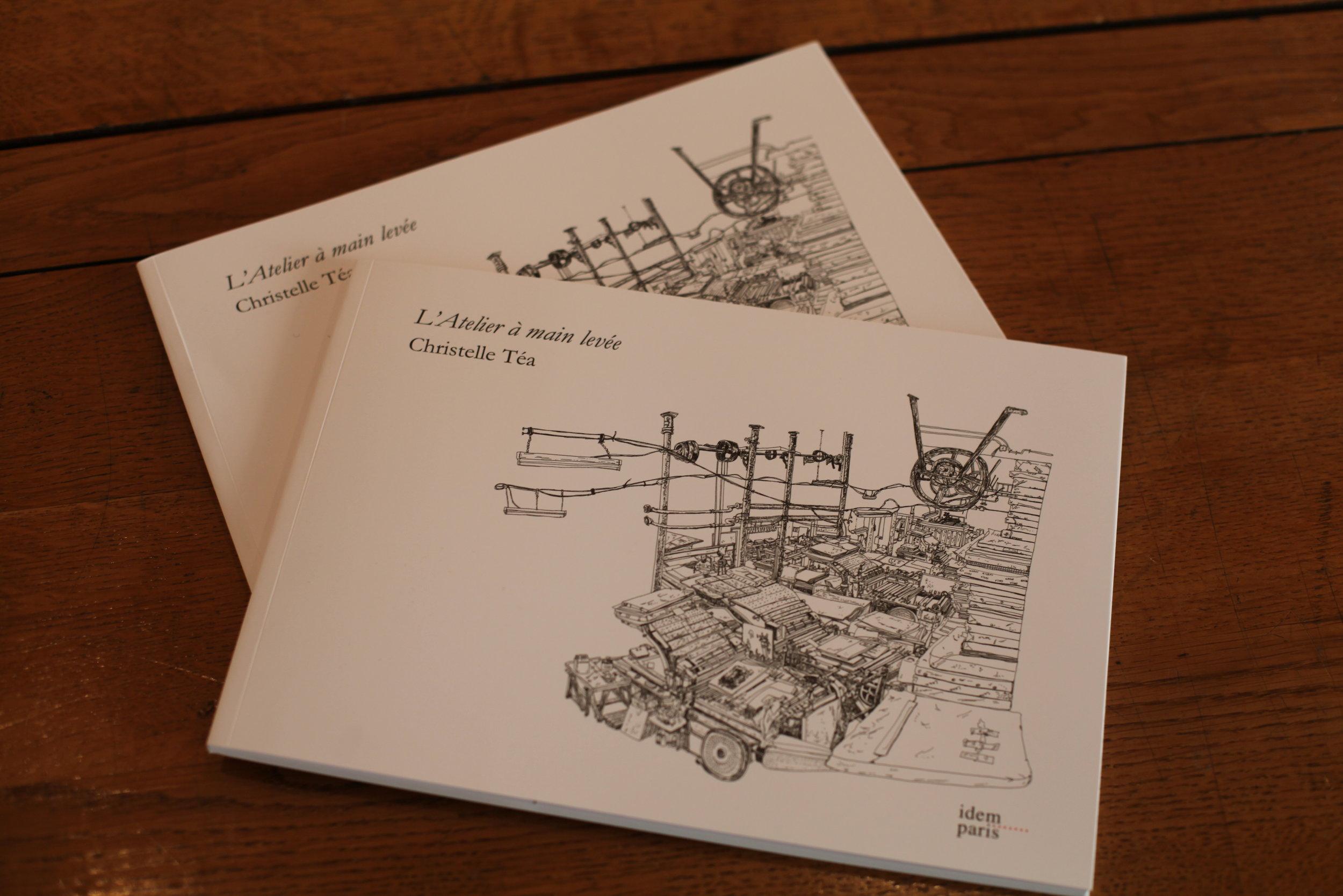 """Suite à l'exposition """" L'ATELIER À MAIN LEVÉE"""" , Idem Paris publie son catalogue, disponible à la Galerie Item.  Galerie Item (51 rue du Montparnasse, 75014 Paris, Lundi - Samedi, de 11h à 19h)"""