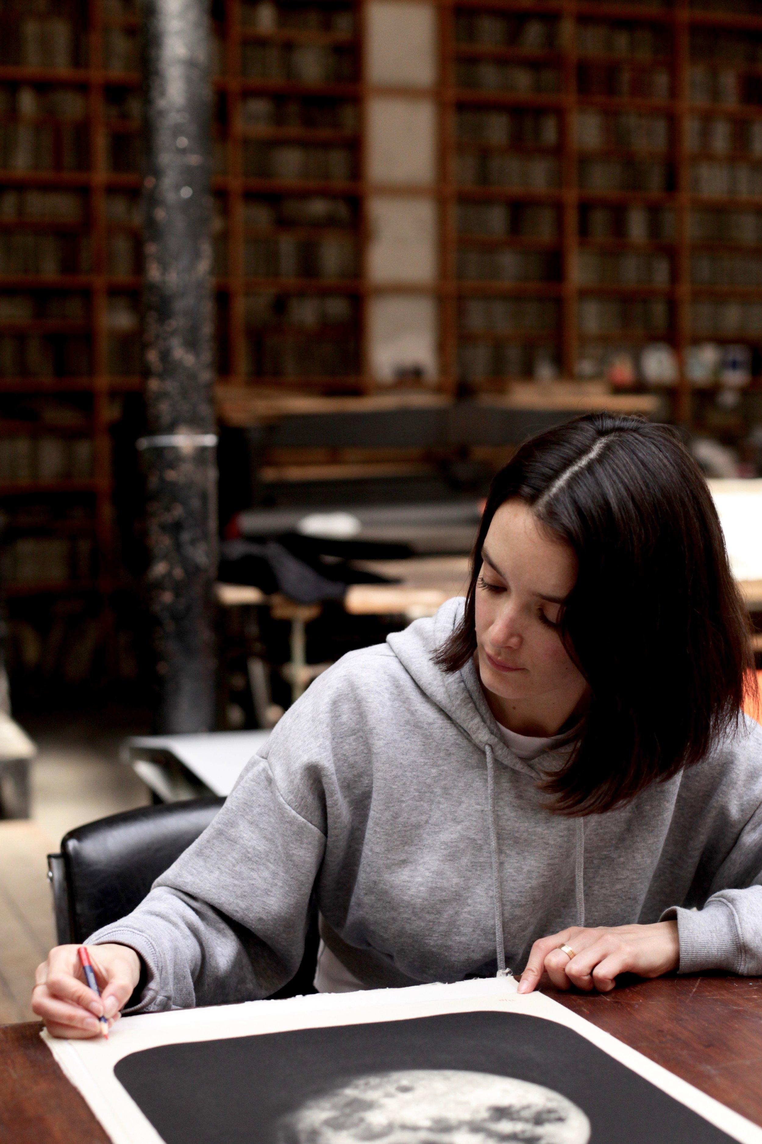 """NOUVELLE EDITION!    """"Creamy Moon"""", la nouvelle lithographie de Charlotte Le Bon est disponible dès aujourd'hui à Idem Paris.   Lithographie en 2 couleurs, 50 x 40 cm, 80 exemplaires sur papier Japon, signés et numérotés par l'artiste.   https://www.idemparis.com/fr/charlotte-le-bon/creamy-moon   Pour toute information ou pour acheter la lithographie, merci de nous contacter à:  info@idemparis.com    —————————————————————————————————————————————————————————————     NEW EDITION!     """"Creamy Moon"""", Charlotte Le Bon's new lithograph is on sale from today at Idem Paris.    2 couleurs lithograph, 50 x 40 cm, edition of 80 on Japanese paper, signed and numbered by the artist.     https://www.idemparis.com/fr/charlotte-le-bon/creamy-moon     For all information or purchase, please contact us at:  info@idemparis.com"""