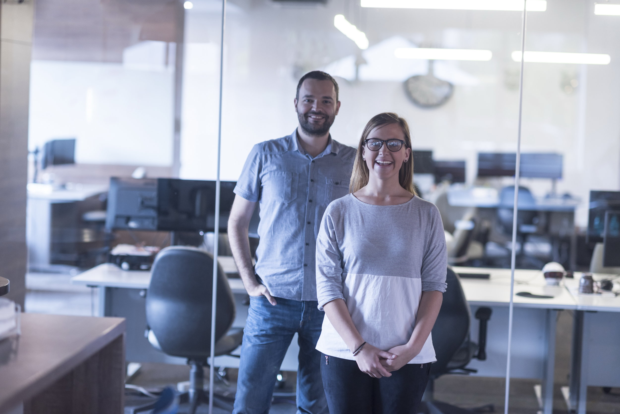 business-couple-at-office-P7BX5KU.jpg