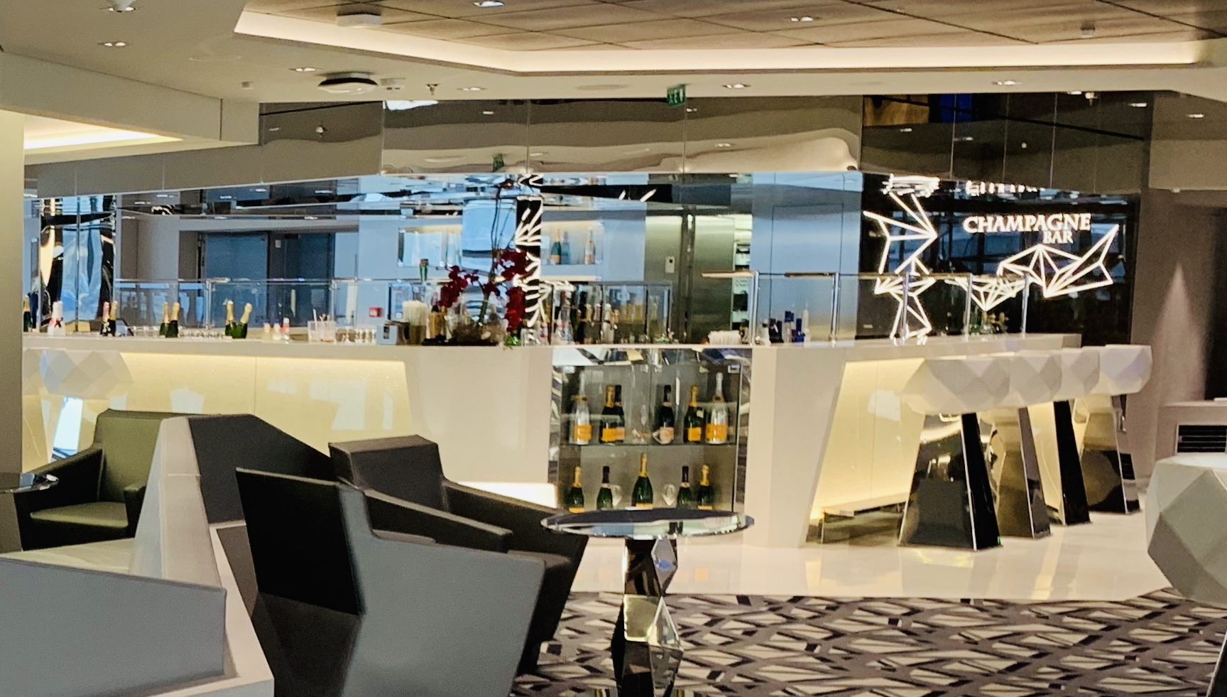 The lovely champagne bar