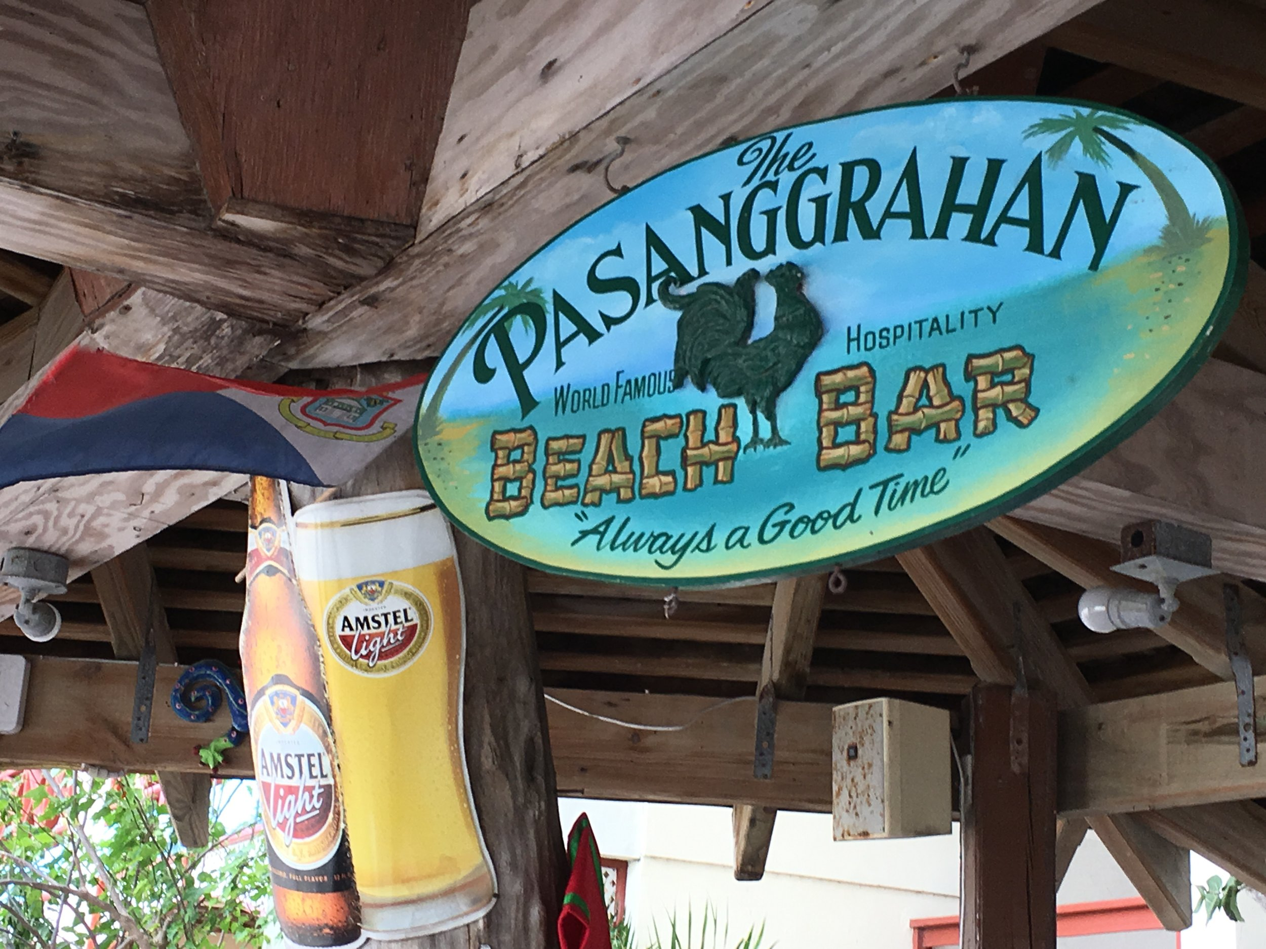 Perfect Beach Bar in Saint Martaan