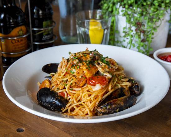 Ischia_spaghetti marinara_550x440_18.jpg