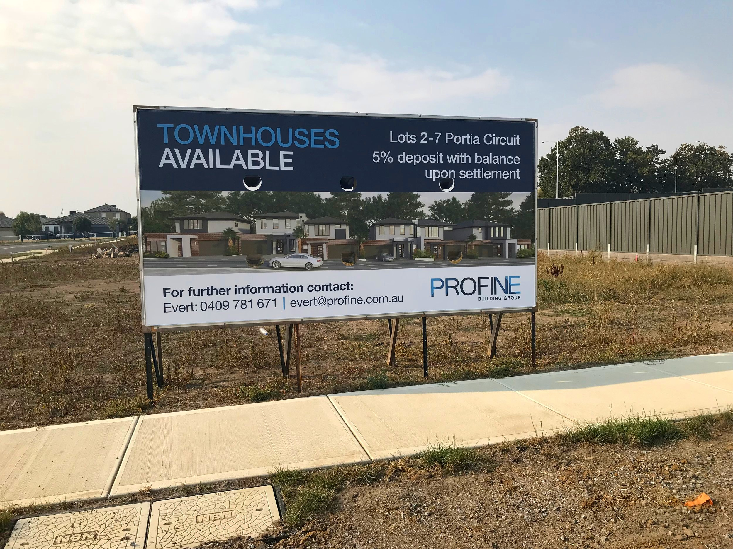 TOWNHOUSES AVAILABLE - 10/03/2019Starting from $549,950. Located in Melbournes most up and coming area. Contact Evert on 0409 781 671 for more information.
