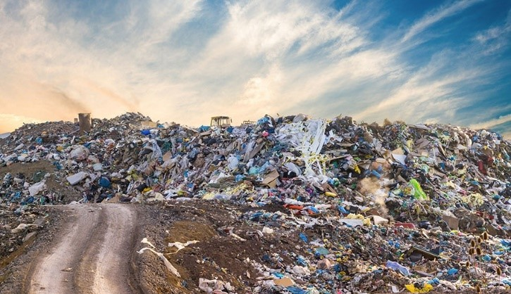 Landfill filled with plastic waste (Image Source: Shuttershock)