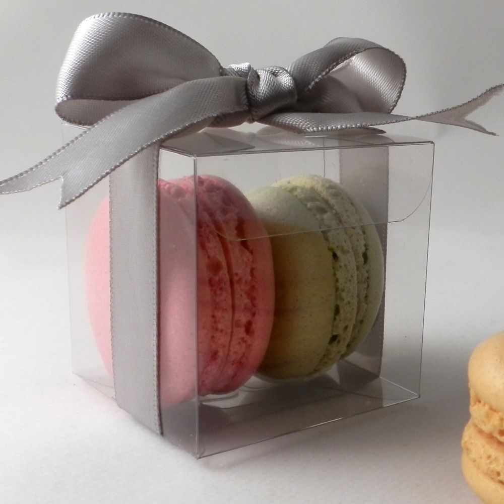 SHOP: Macaron Boxes - Premium quality boxes for macaroons in a range of sizes from individual macaroon boxes to boxes for 12 macaroons.