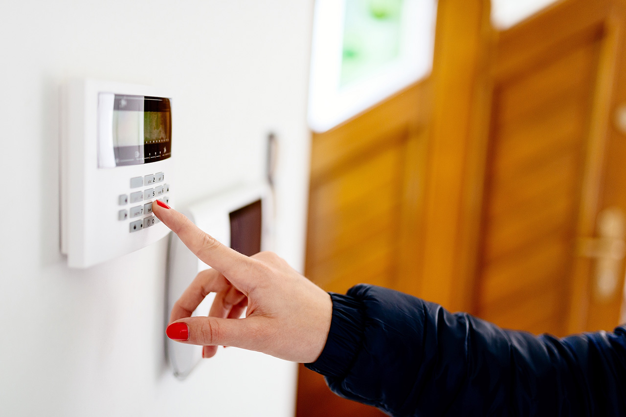 DOMESTIC INTRUDER ALARM   INSTALLED FROM £449   SEE ALL RESIDENTIAL OFFERS