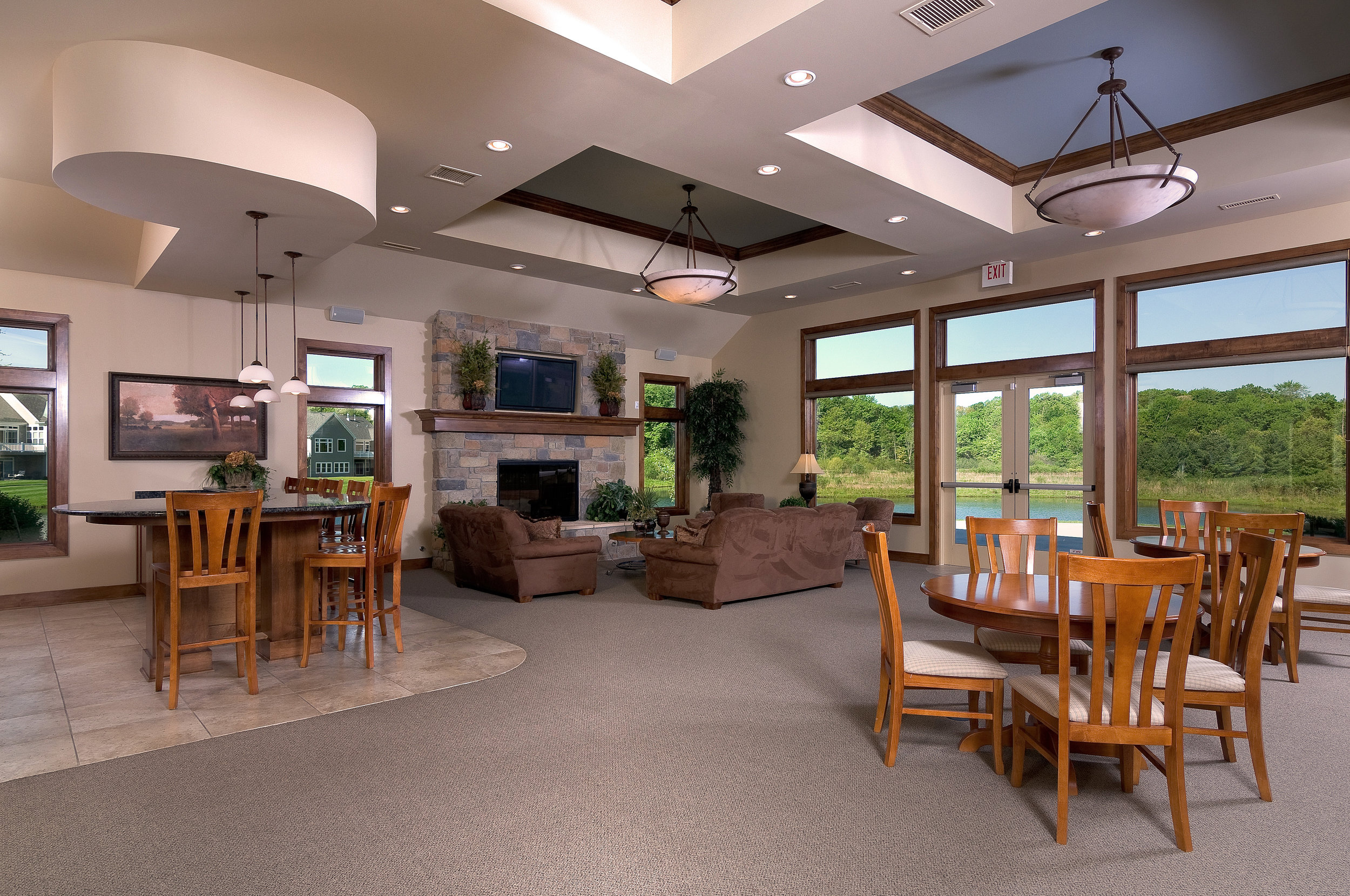 Clubhouse_lounge[1].jpg