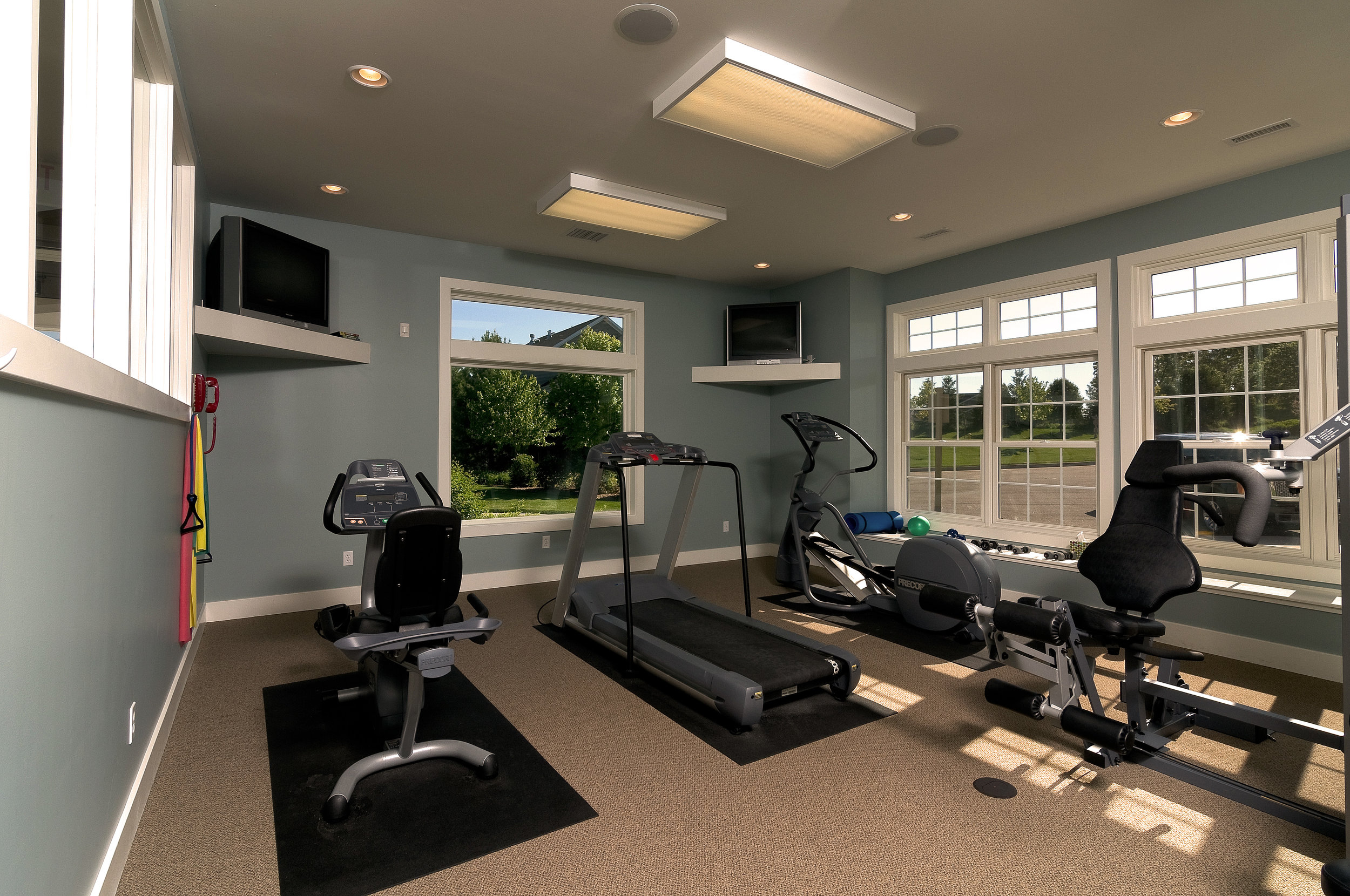 OH_Clubhouse_Fitness+Center[1].jpg
