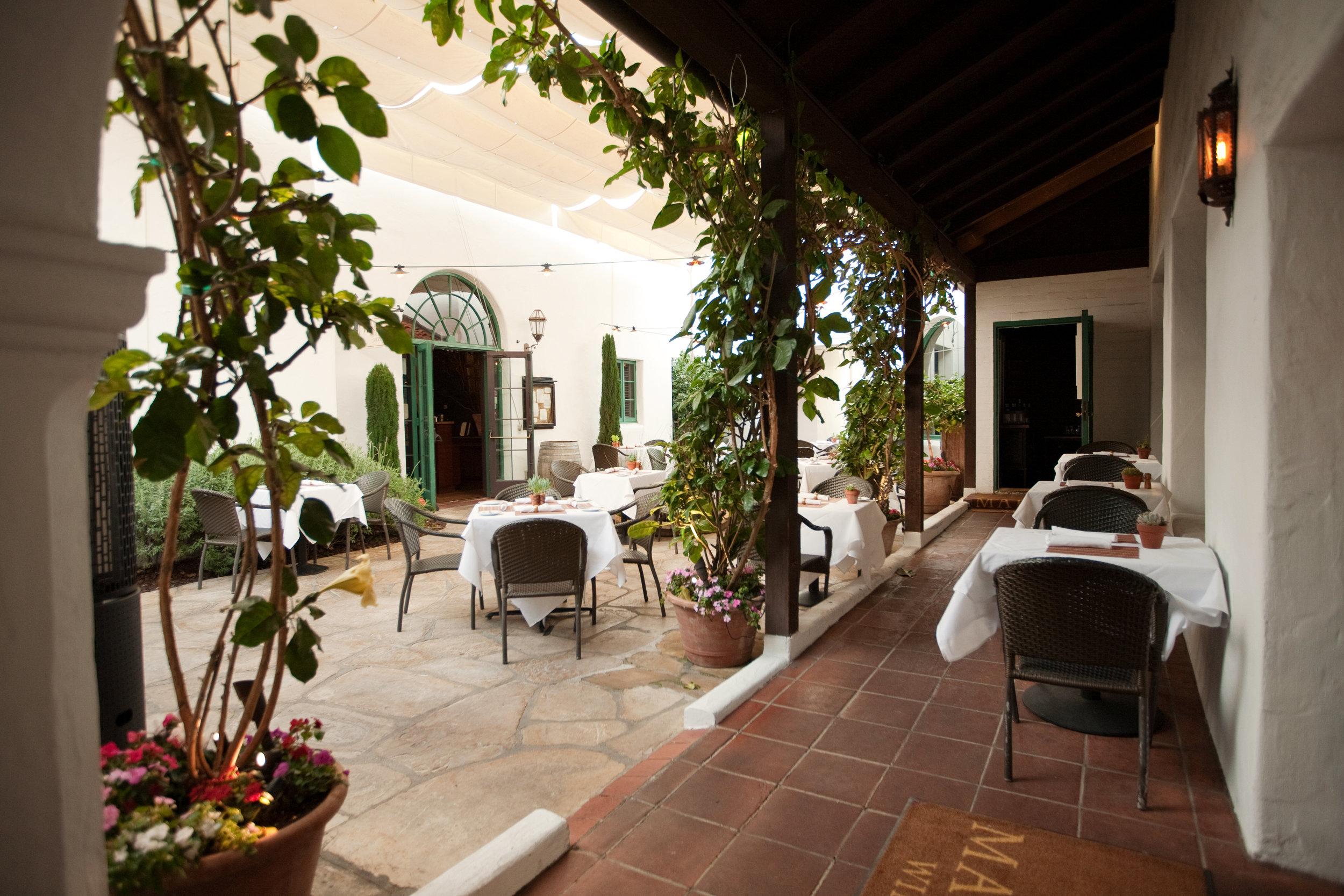 Courtyard017.jpg