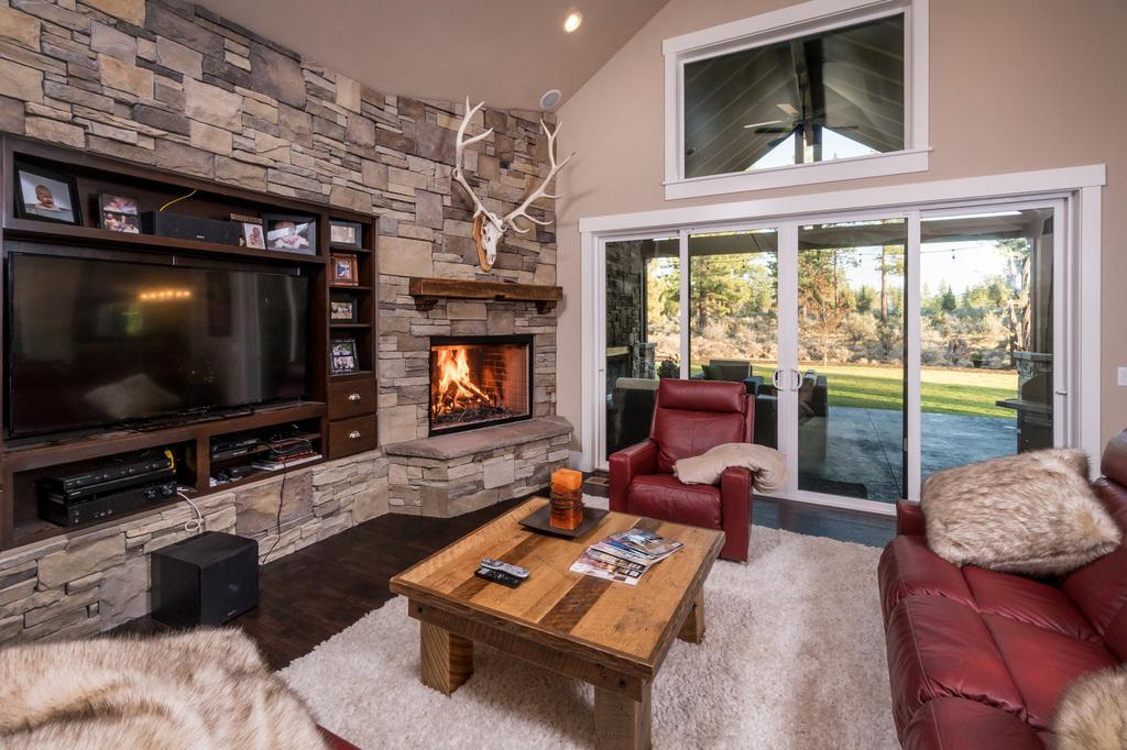 AllyBrooke-Custom-Homes-Stone-Work-Fire-Place-Living-Room.jpg