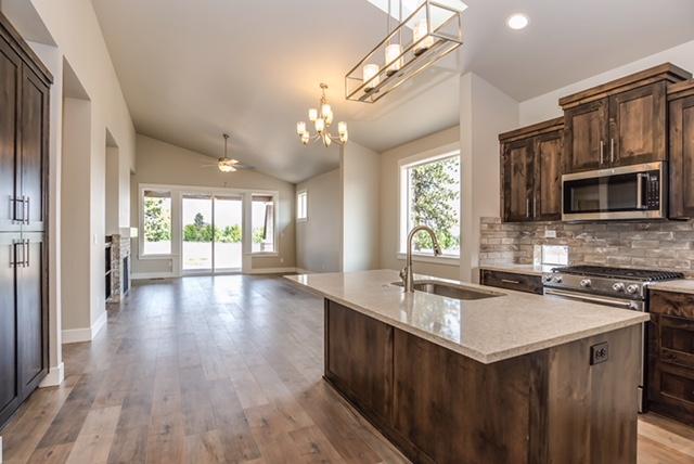 Custom-Homes-Bend-Oregon-Open-Floorplan-Kitchen-Remodel.jpg