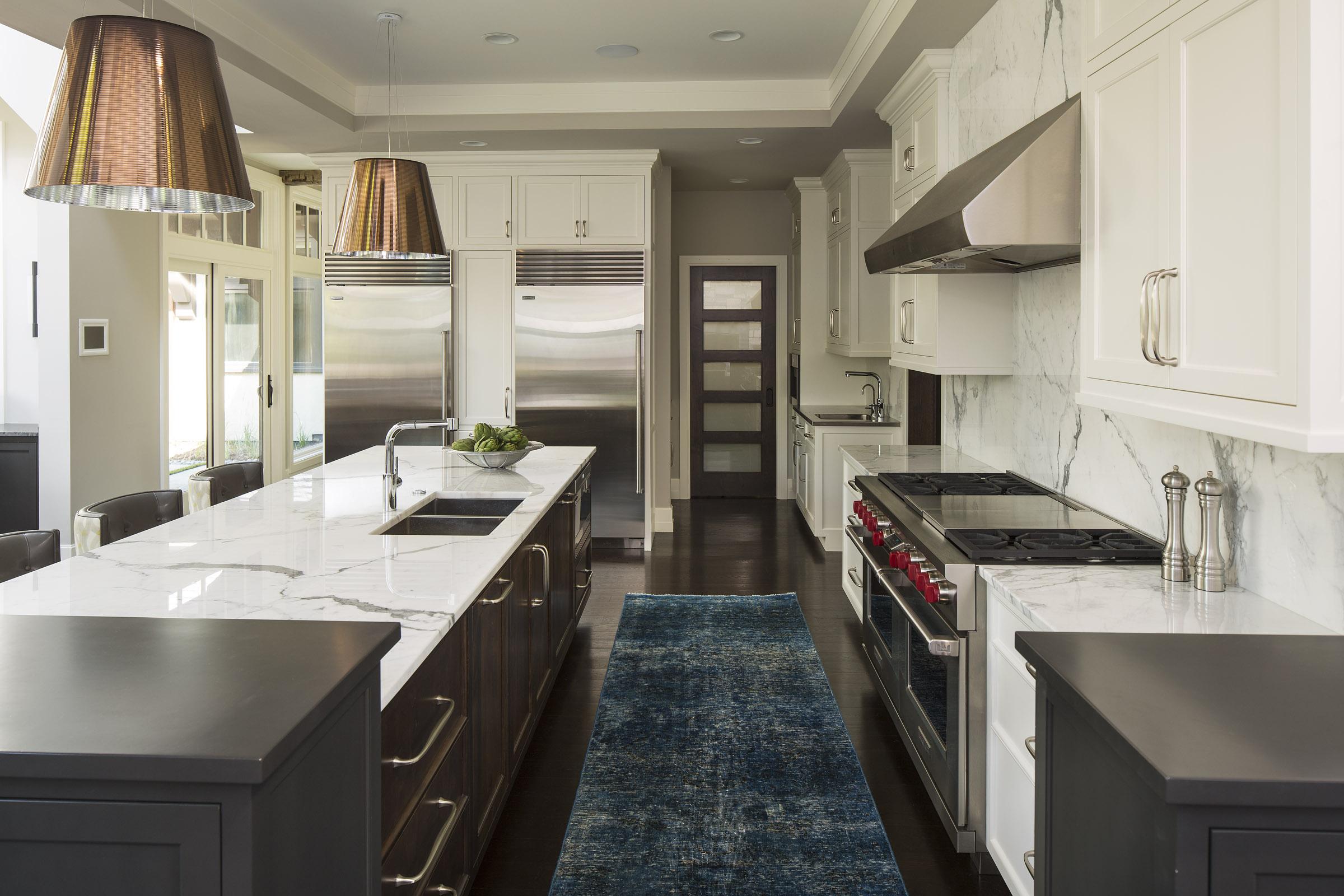 kitchen.galley.jpg