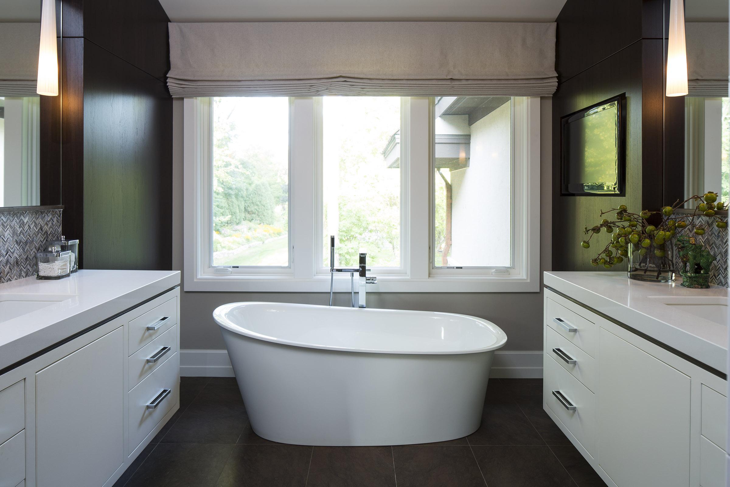 tub.bright.jpg