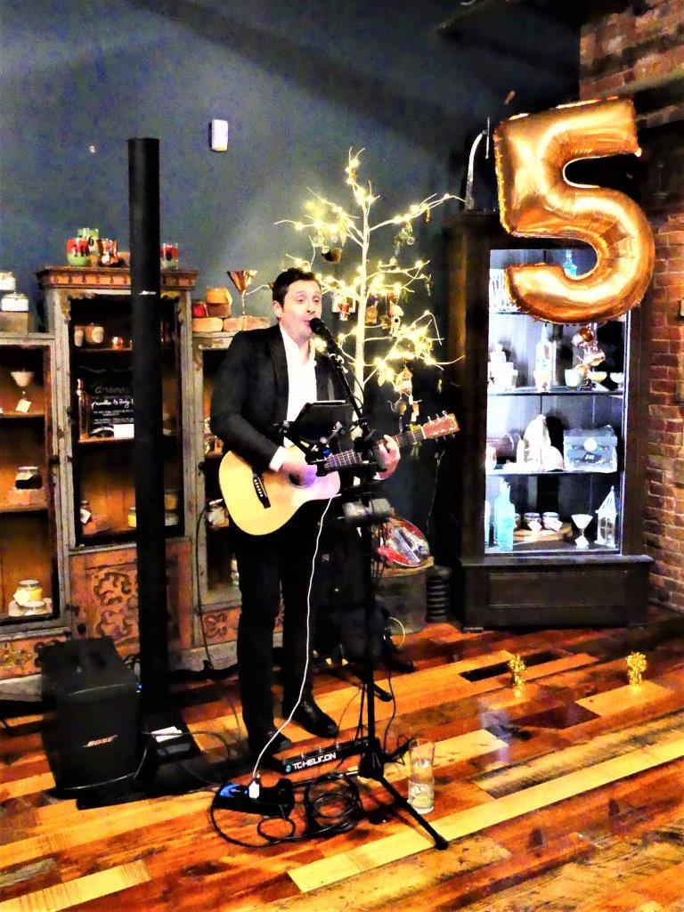 Steve Balesteri performing