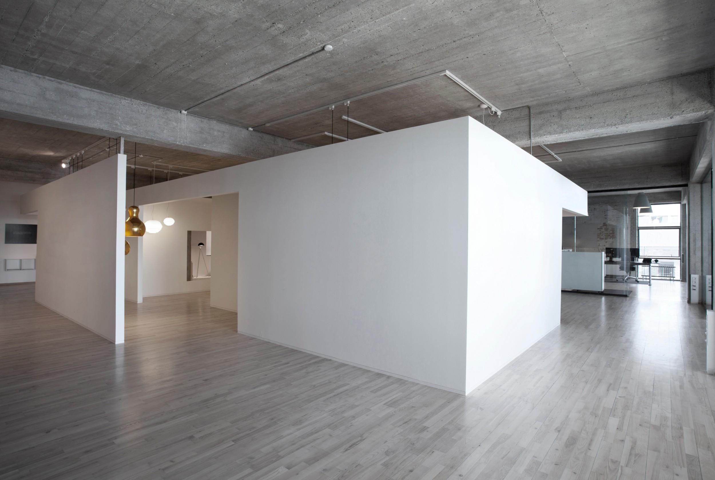 sofie-ladefoged-interior-lightyears-showroom-02.jpg