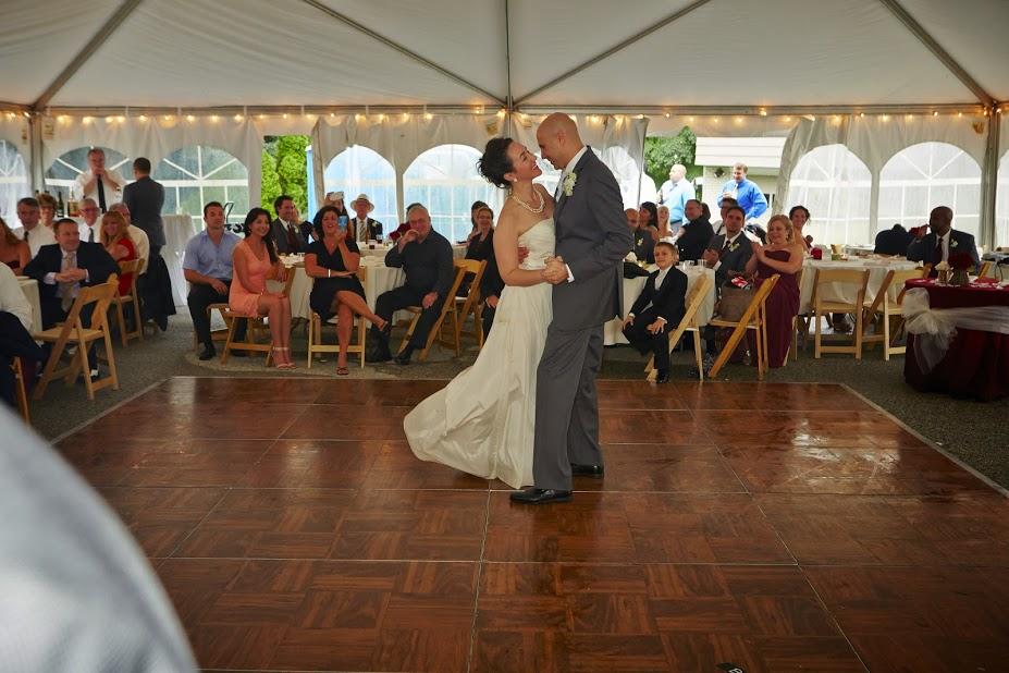 Sergio Wedding couple dancing.jpg