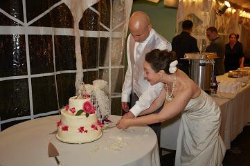 Sergio Wedding cutting cake.jpg
