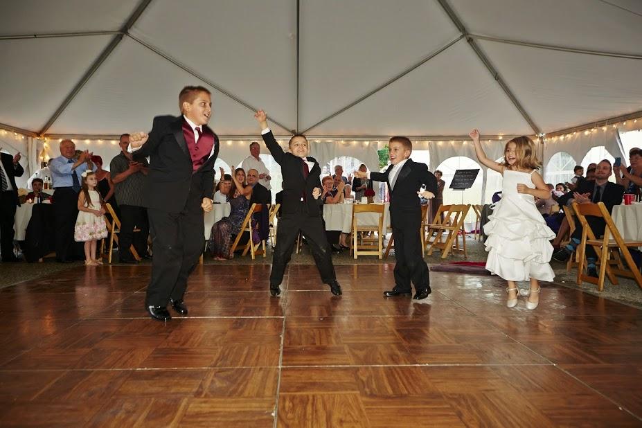 Sergio Wedding kids dancing 2.jpg