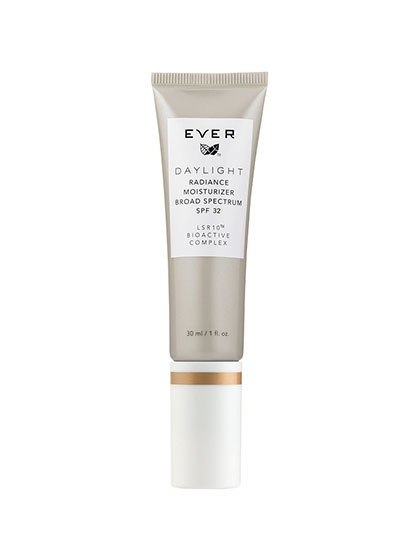 beauty-products-2015-05-ever-skincare-daylight-tinted-radiance-moisturizer-spf-32-LSR10[1].jpg