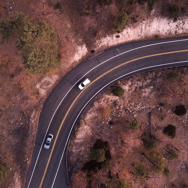 Just a two hour drive from LA and you're in the mountains. - - - @actionstudiostv @djiglobal #mountains #road #roadtrip #adventure #mavicpro #raw #photography #snapseed #fall #colors #brown #cars #topdown #overhead #drone #rocks #driving #california #socal #bigbear #snapseed