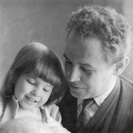 Victoria con su padre antonio