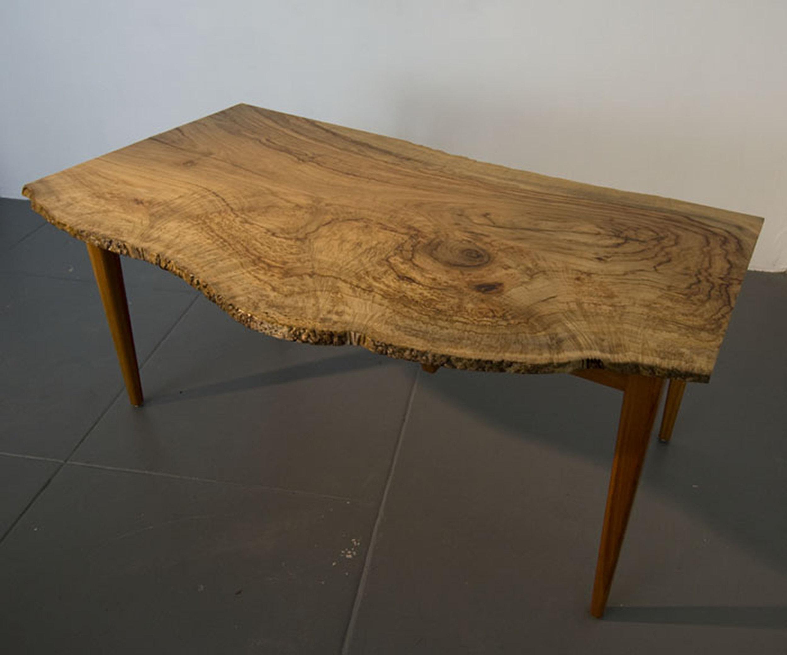Camphor-Redgum-Table-Kevin-P-Clarke0004.jpg