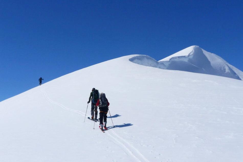 The final push towards a hard earned summit. Photo by Christian Pedersen.