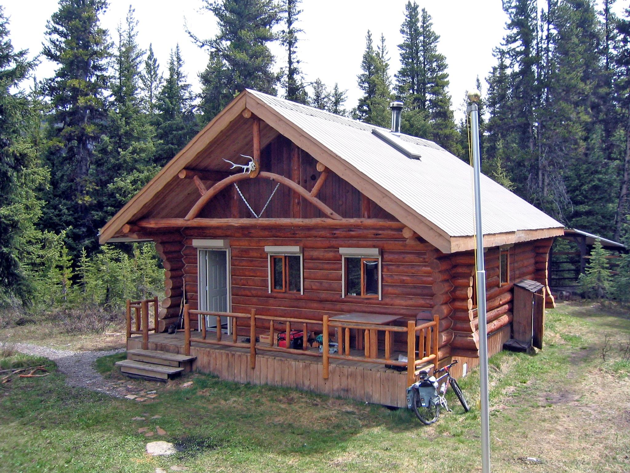 Elk Lakes Cabin. Photo: ACC archives.