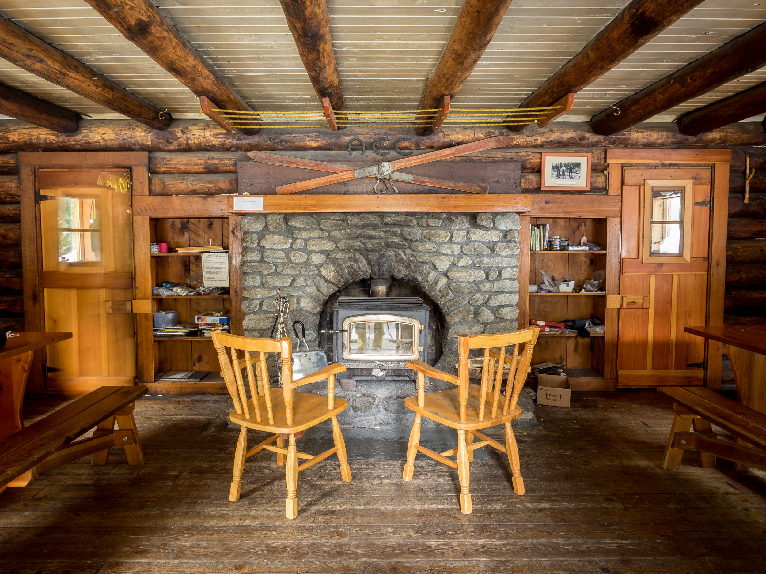 Wheeler Hut. Photo by Leigh McClurg, Pebbleshoo.