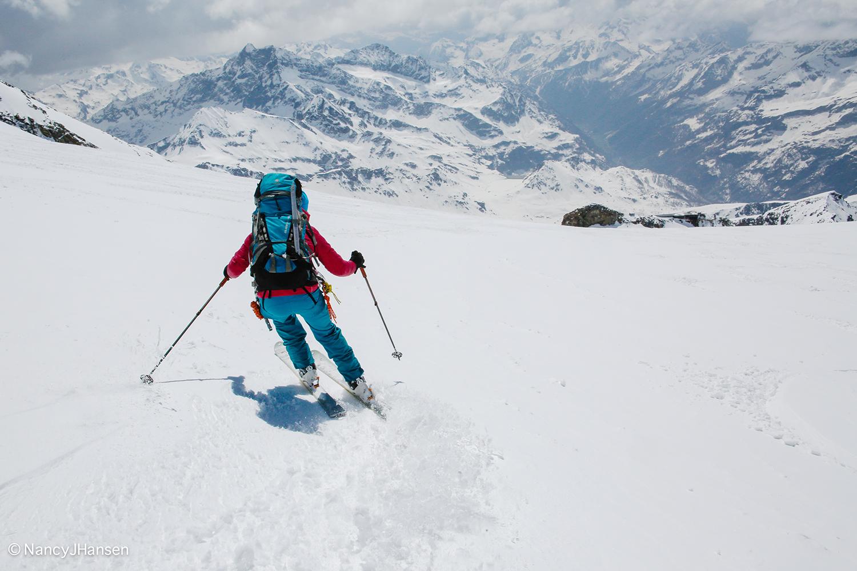 Nancy skis nice corn snow towards the Gnifetti Hut (3,647 m). Photo by Ralf Dujmovits.