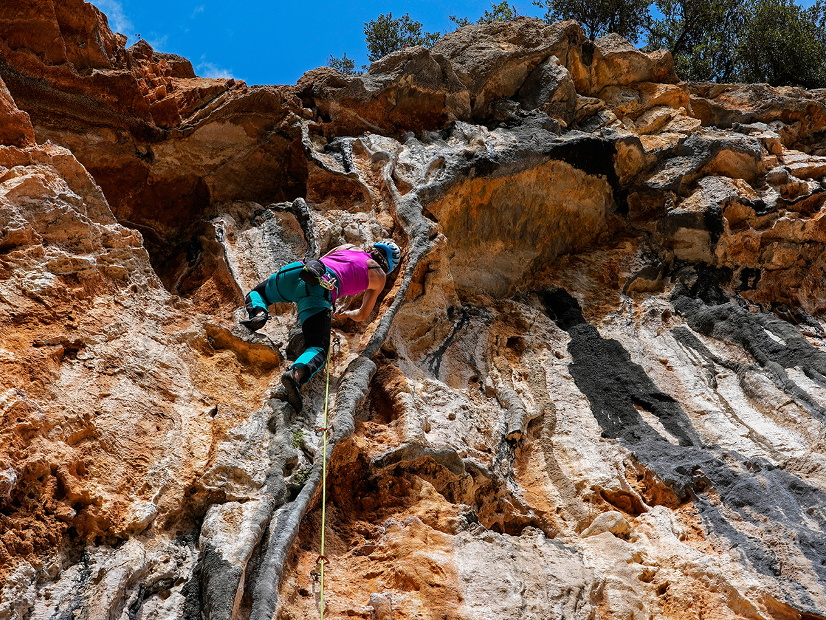 Nancy climbs 'Beefcake' at Crash of the Titans wall, Leonidio. Photo by Ralf Dujmovits.
