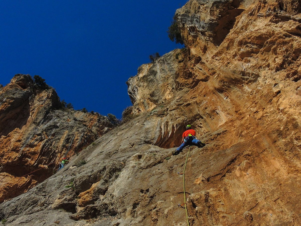 Ralf climbs at 'Skiadianiko' wall, Leonidio. Photo by Nancy Hansen.