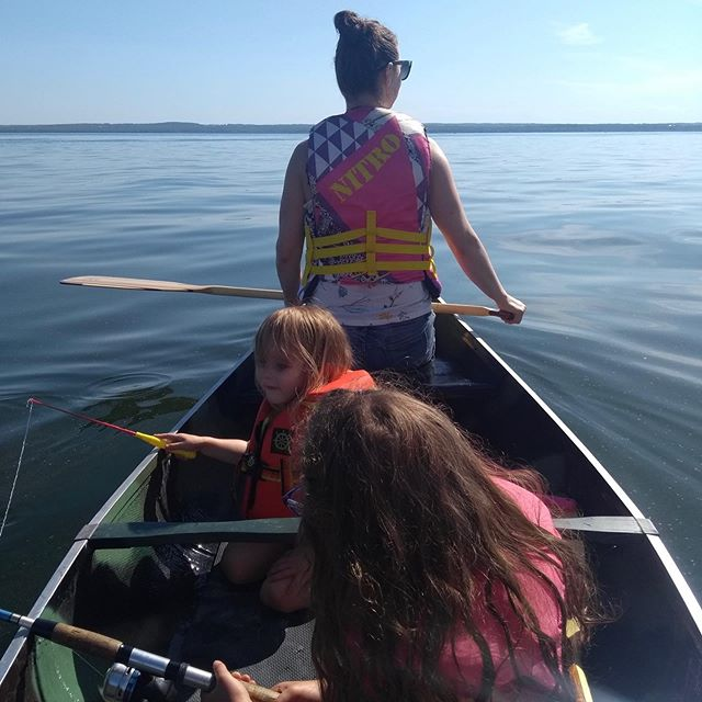 t a k e  m e  b a c k 🛶 ⠀⠀⠀⠀⠀⠀⠀⠀⠀ Back to work after a week of vacation. Missing these relaxing days on the lake hanging out with the fam. Not missing the kids getting into each other's grill every two seconds. ⠀⠀⠀⠀⠀⠀⠀⠀⠀ ⠀⠀⠀⠀⠀⠀⠀⠀⠀ #sisters #besties #vacation #worklifebalance #tlfco #littlefitfamily