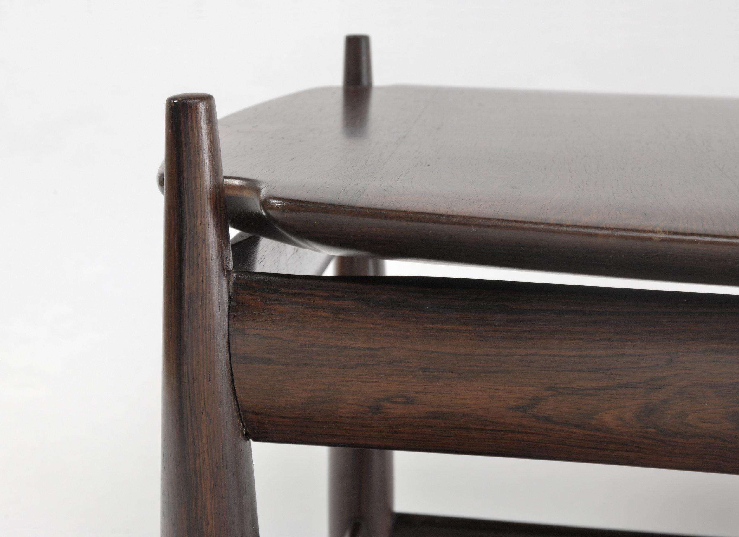 TABLE SERGIO RODRIGUES 3.jpg