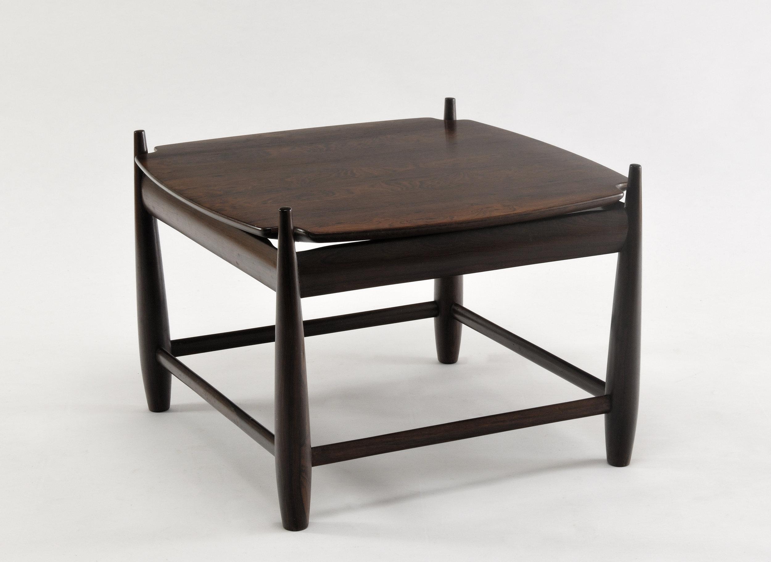 TABLE SERGIO RODRIGUES1.jpg