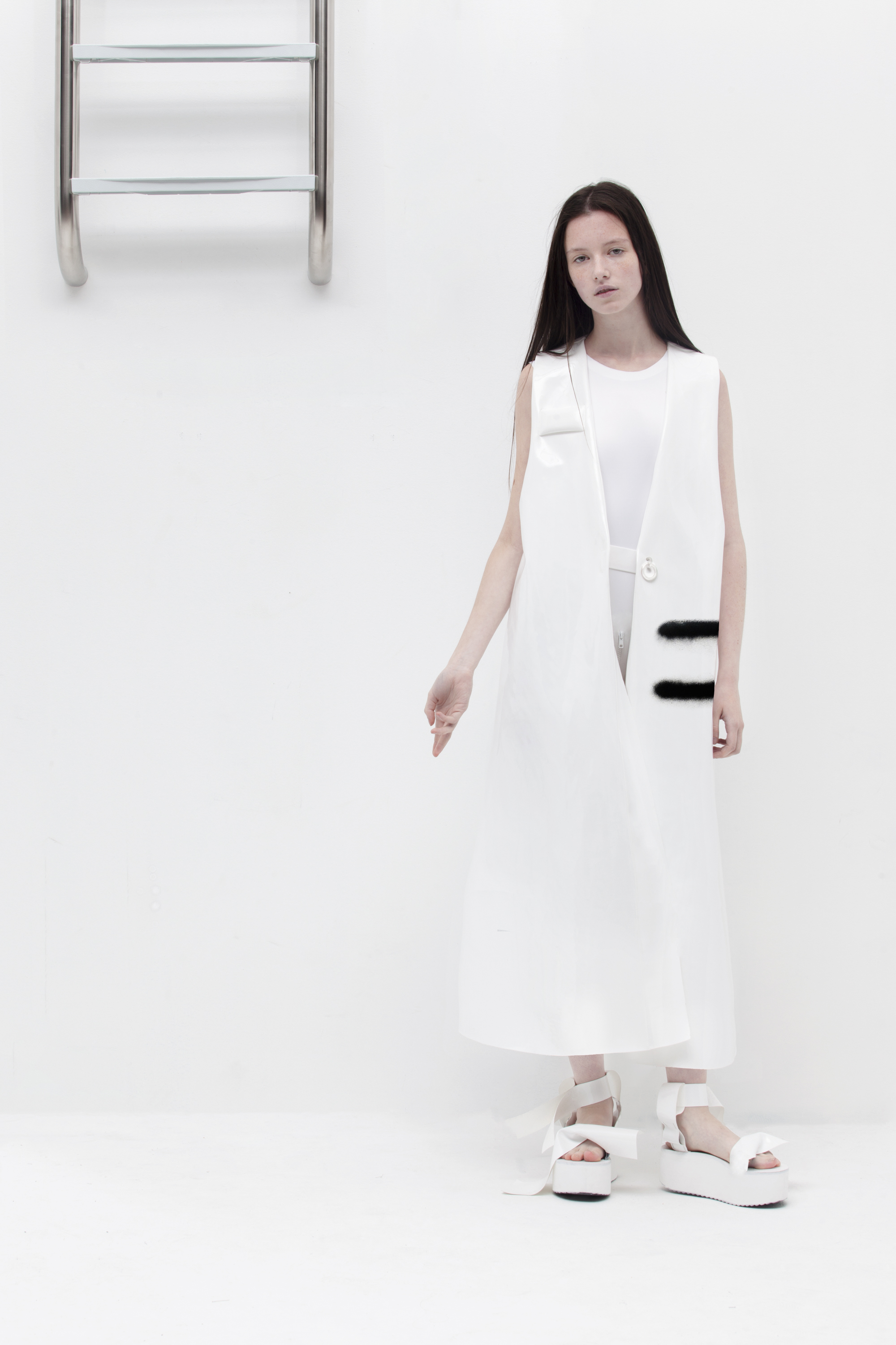 Melitta Baumeister SS16 Ph. Paul Jung Look -11.jpg