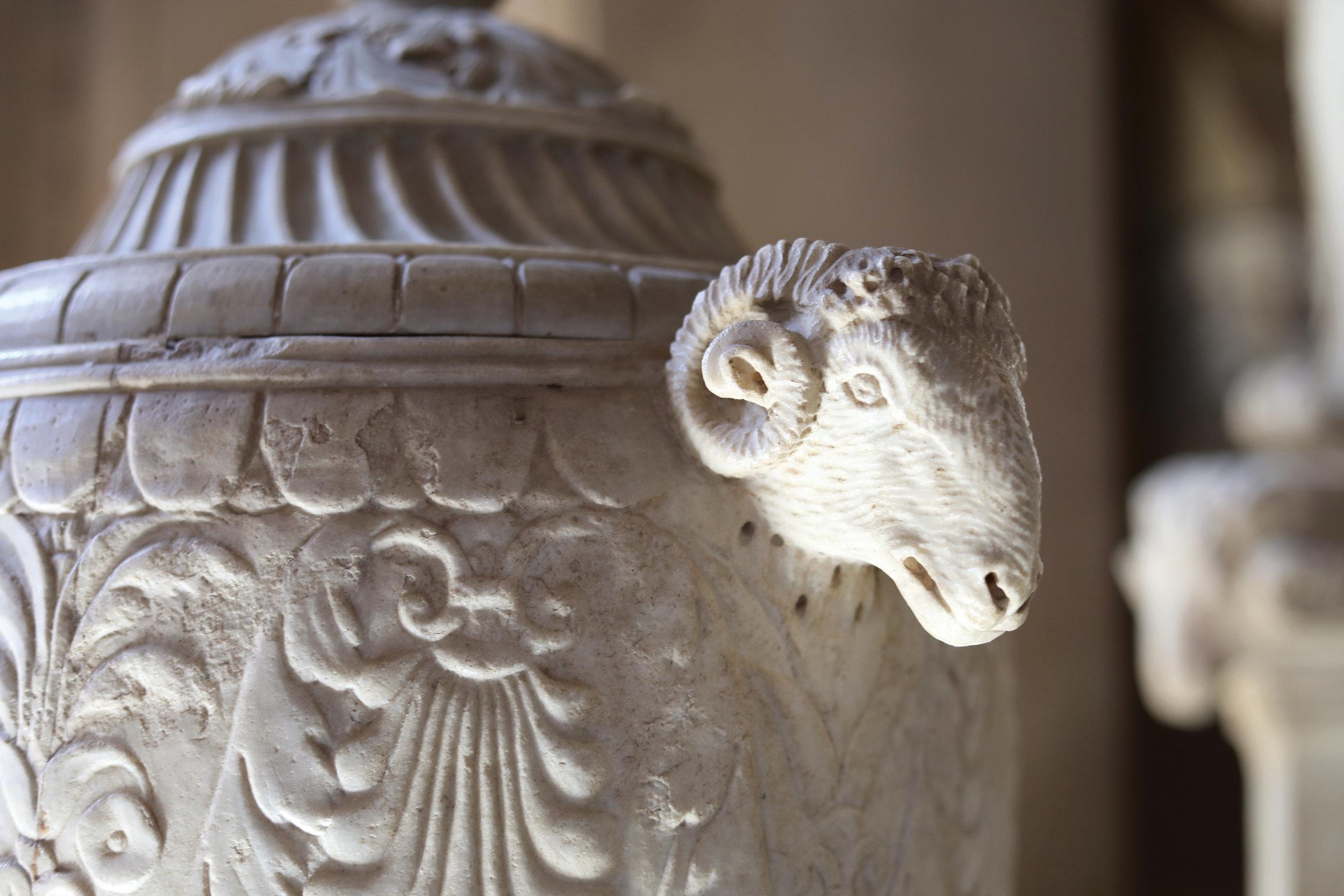 Urn in The Vatican Museum, Rome, Italy   https://www.ebay.com/itm/263679837731?ssPageName=STRK:MESELX:IT&_trksid=p3984.m1555.l2649