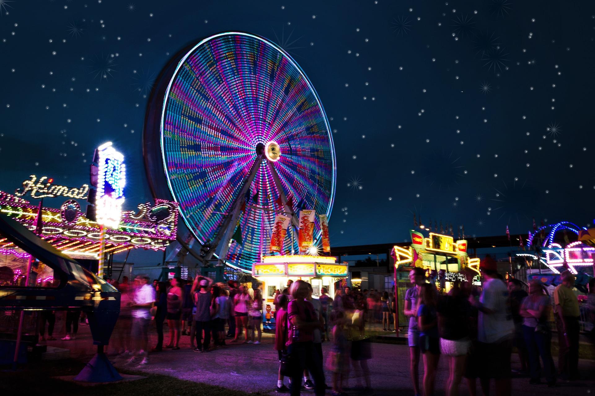carnival-rides-2648047_1920.jpg