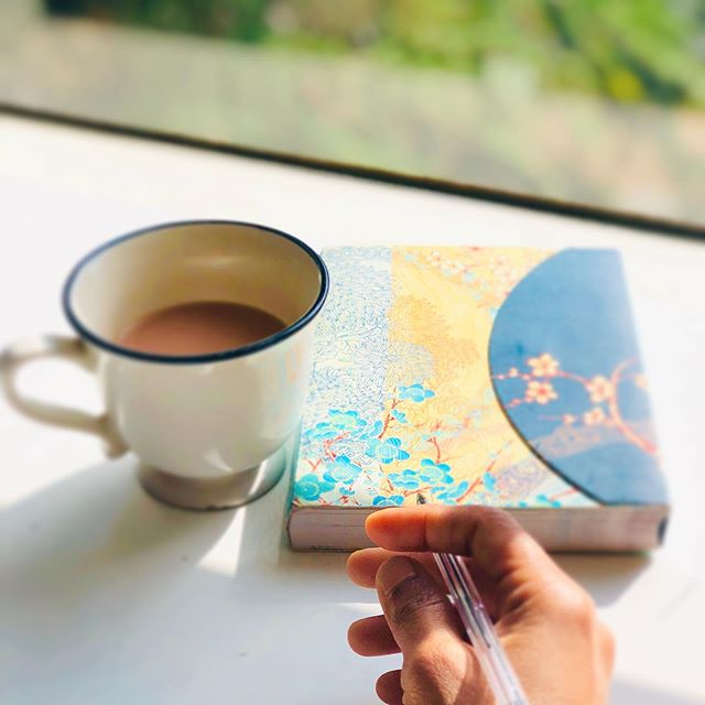 When your mornings start right....❤️ Chai + Mediation + Journalling  Happy Sunday people!  #morningrituals☕️ #firstcupofchai #meditation #breathe #journaling #whatsyourmorningroutine #startyourdayright