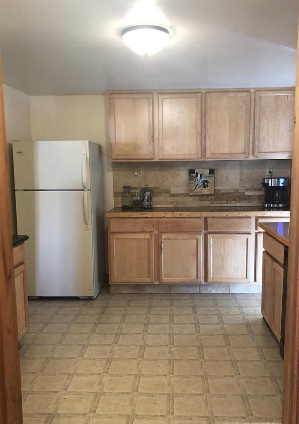 Kitchen2resiz.jpg
